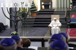Benedict-Ratzinger in Cologne Synagogue