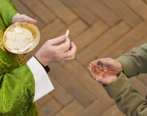 Distribution of Communion